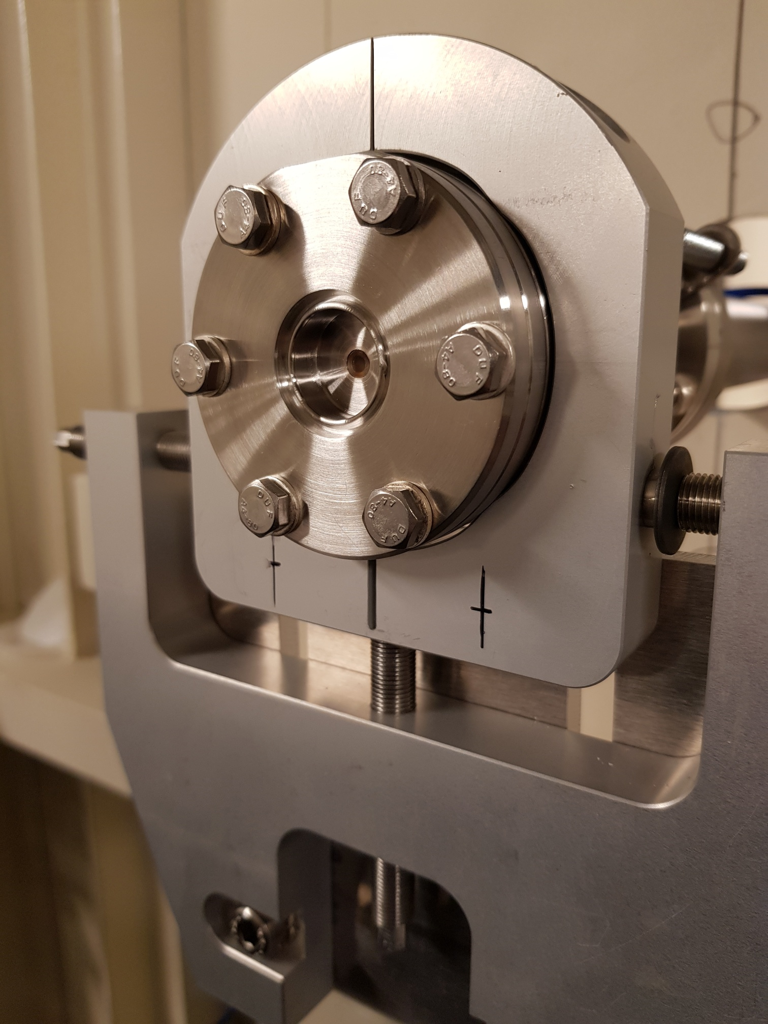 Optical Diamond Viewport installed on the DanMAX materials science beamline at the MAX IV Synchrotron facility in Sweden