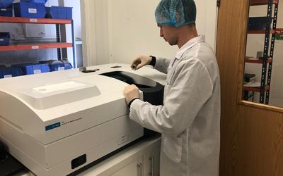 Agilent Cary 5000 UV-vis-NIR Spectrophotometer